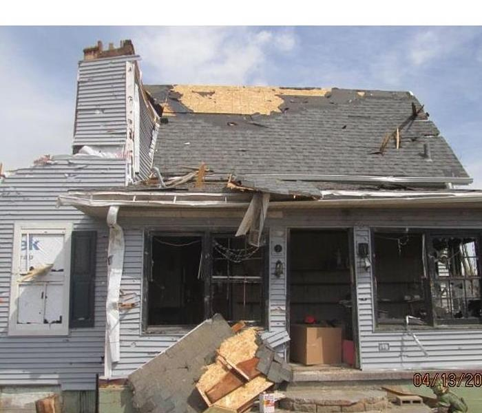 Tornado damages home in Fairdale, IL